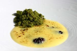 Lemon_curd_blackberries_tea