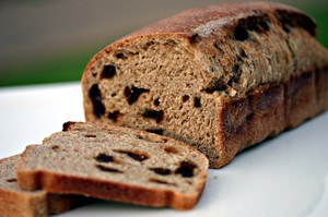 Smoked_cinnamon_raisin_bread