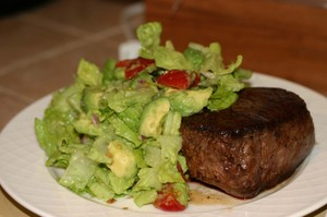 Steak_and_salad_2