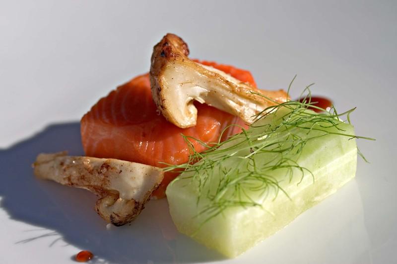 Salmonmatsutakemeloncuminonion